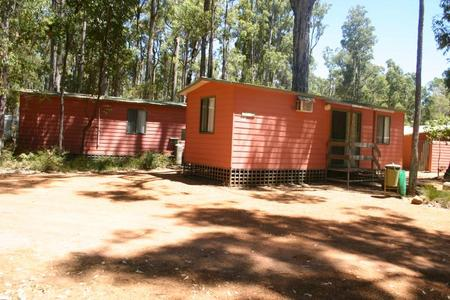 Dwellingup Chalets And Caravan Park - Mount Gambier Accommodation