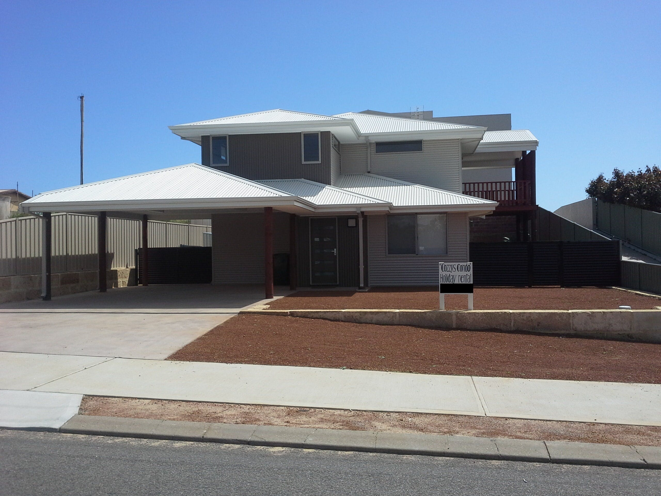 Cozzys Condo Luxury Beach House - Mount Gambier Accommodation