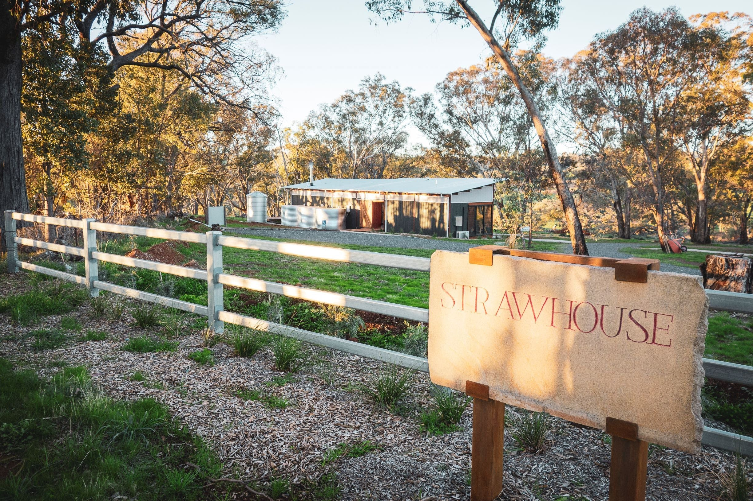 Strawhouse - Mount Gambier Accommodation