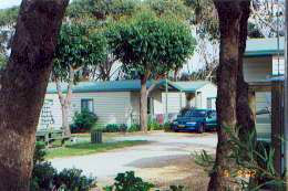 The Lakes Beachfront Holiday Retreat - Mount Gambier Accommodation