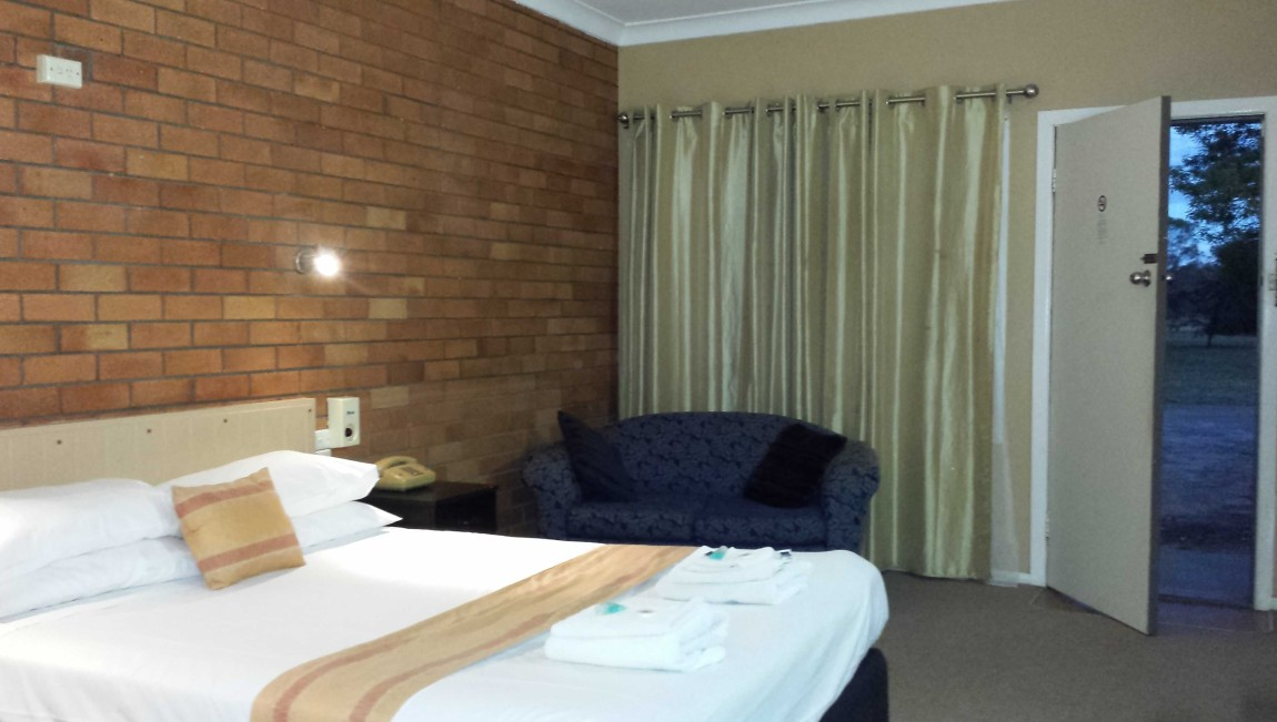 AA Hilldrop Motor Inn - Mount Gambier Accommodation