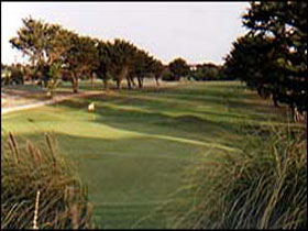 South Lakes Golf Club - Mount Gambier Accommodation