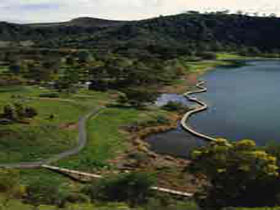 Mount Gambier Crater Lakes - Mount Gambier Accommodation