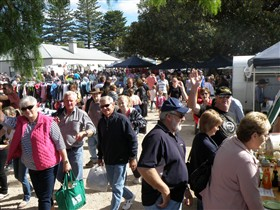 Stansbury Seaside Markets - Mount Gambier Accommodation