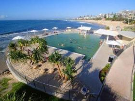 Kings Beach - Beachfront Salt Water Pool - Mount Gambier Accommodation
