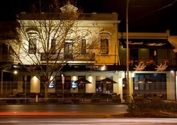 Crown and Sceptre Hotel - Mount Gambier Accommodation