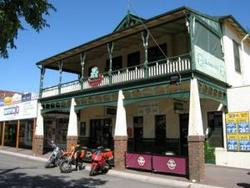 Shamrock Hotel Alexandra - Mount Gambier Accommodation