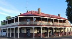 Brookton Club Hotel - Mount Gambier Accommodation