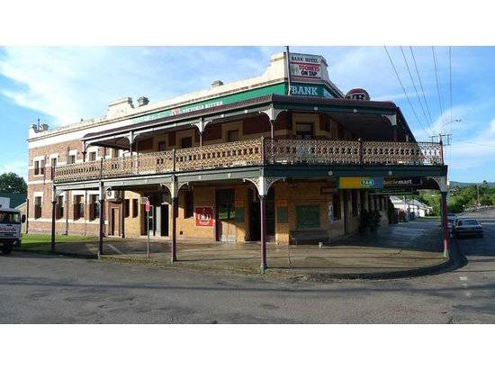 Bank Hotel Dungog - Mount Gambier Accommodation