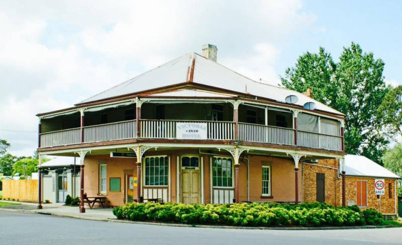 The Victoria Hotel Hinton - Mount Gambier Accommodation