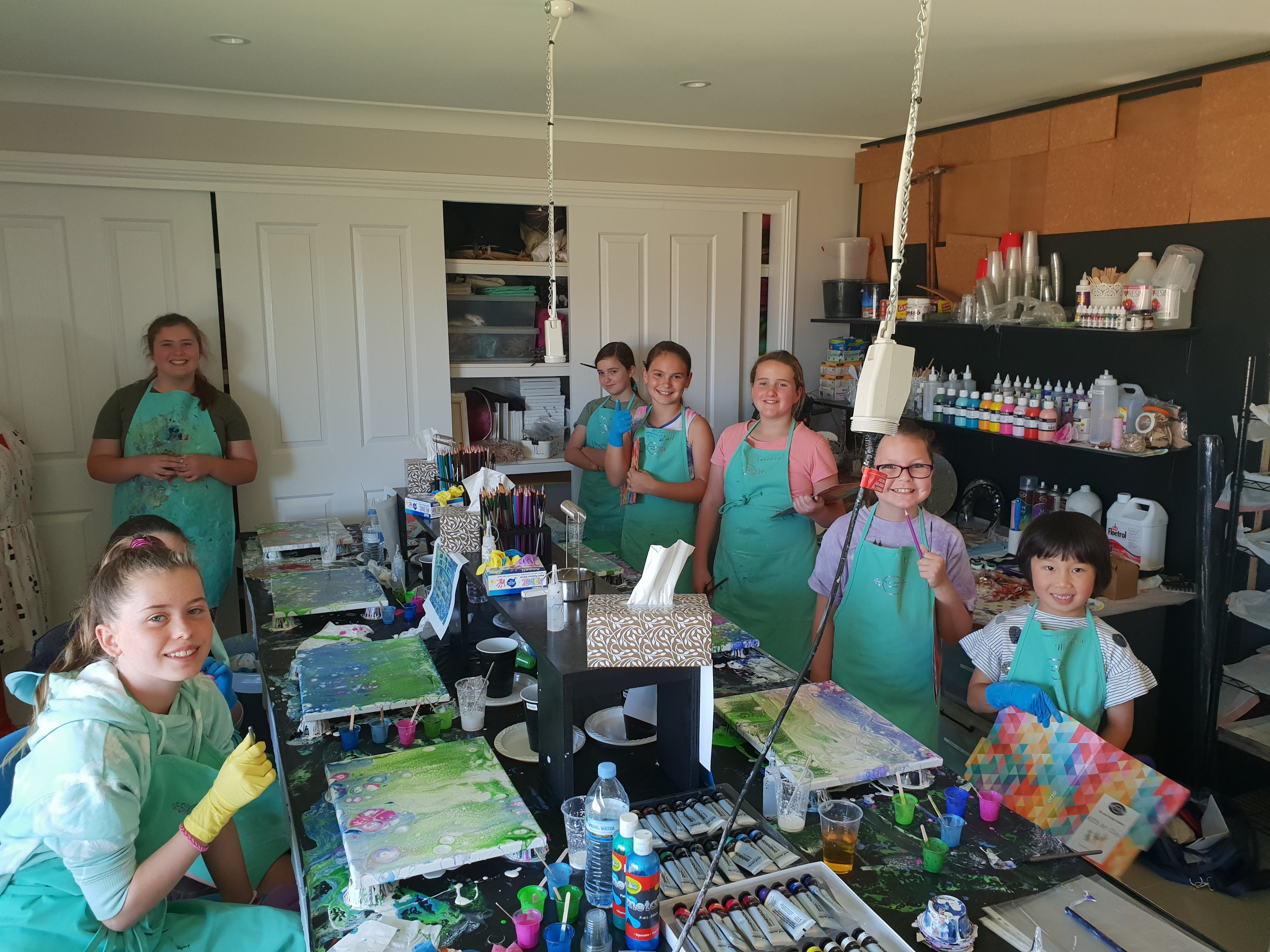 School holidays - Kids art class - Painting - Mount Gambier Accommodation