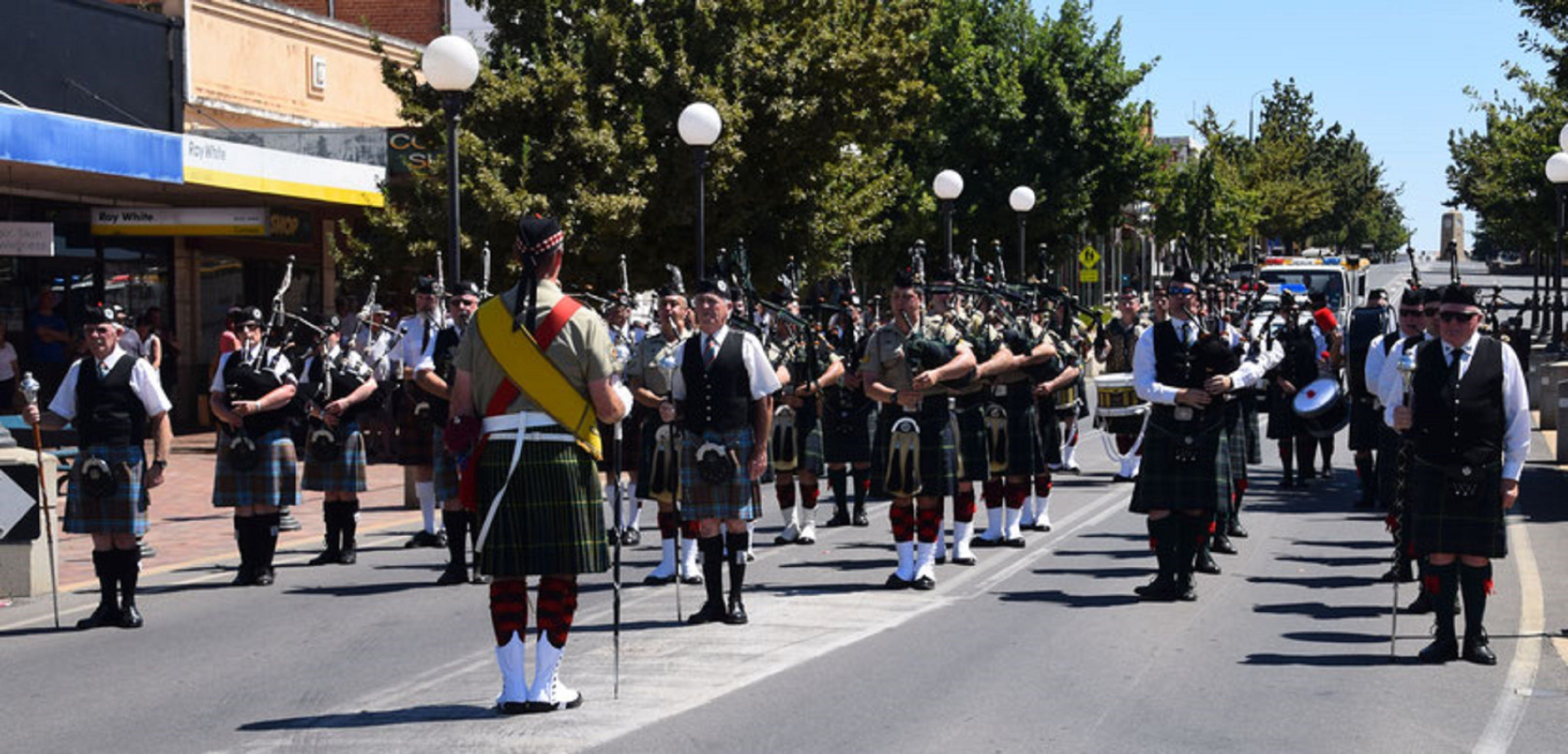Corowa Rotary Federation Festival Parade - Mount Gambier Accommodation