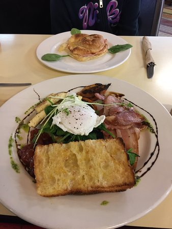 Mecca Cafe - Mount Gambier Accommodation