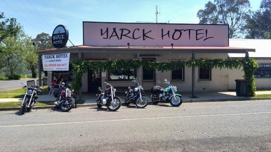 Yarck Hotel - Mount Gambier Accommodation