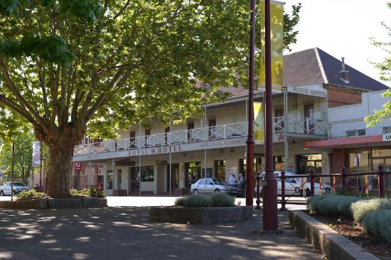 Royal Hotel Restaurant - Mount Gambier Accommodation