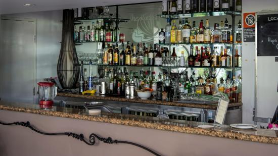 The Rocks Restaurant  Bar - Mount Gambier Accommodation