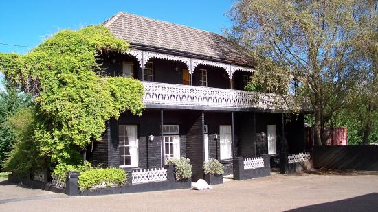 Top Pub Uralla - Mount Gambier Accommodation