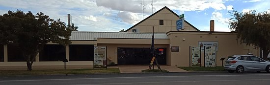 Balranald Ex-Services Club - Mount Gambier Accommodation
