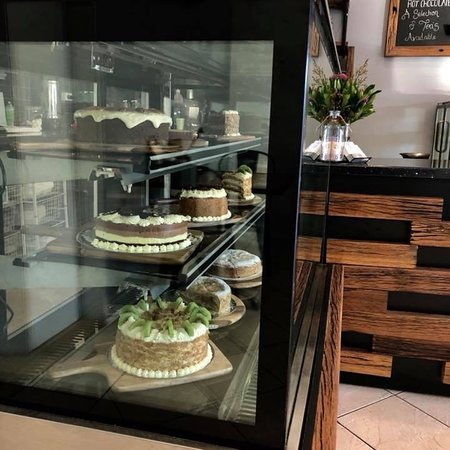 Eat  153 - Mount Gambier Accommodation