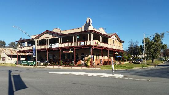 The Royal Hotel - Mount Gambier Accommodation