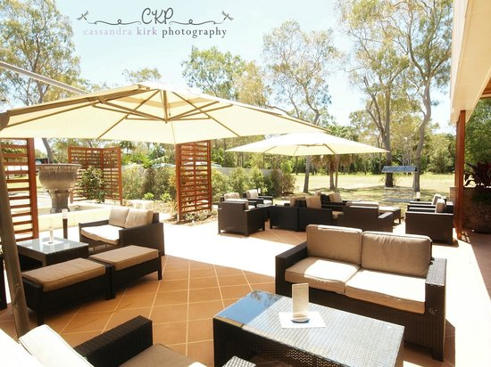 Moore Park Beach Tavern - Mount Gambier Accommodation