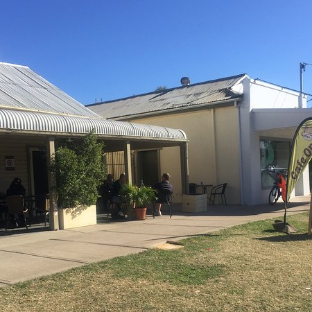 Relaxing Cafe - Mount Gambier Accommodation