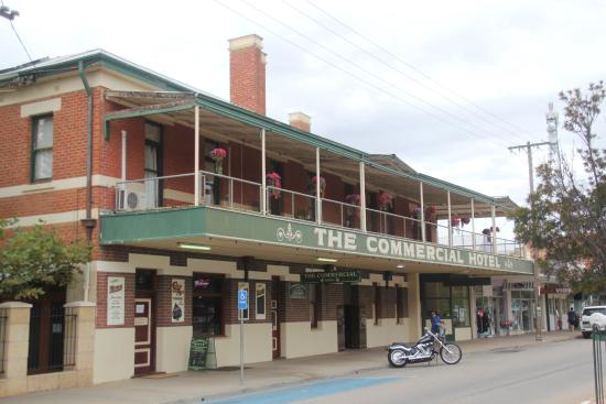 Commercial Hotel - Mount Gambier Accommodation