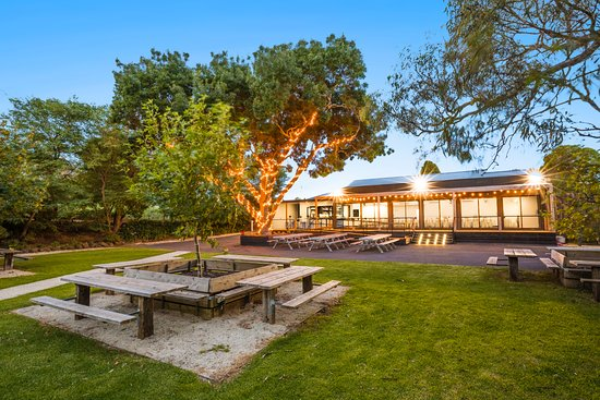 Batesford Hotel - Mount Gambier Accommodation