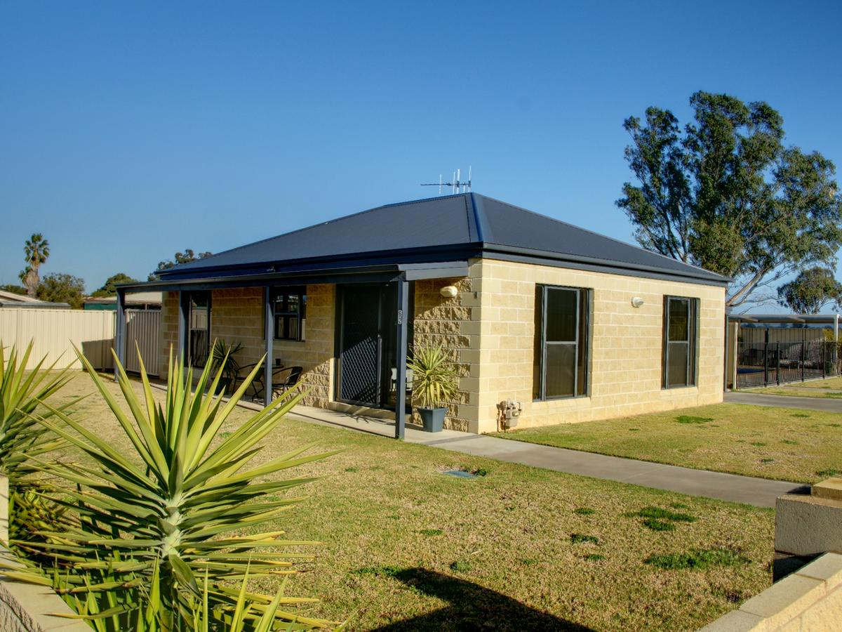 DBJ Holiday Units - Mount Gambier Accommodation