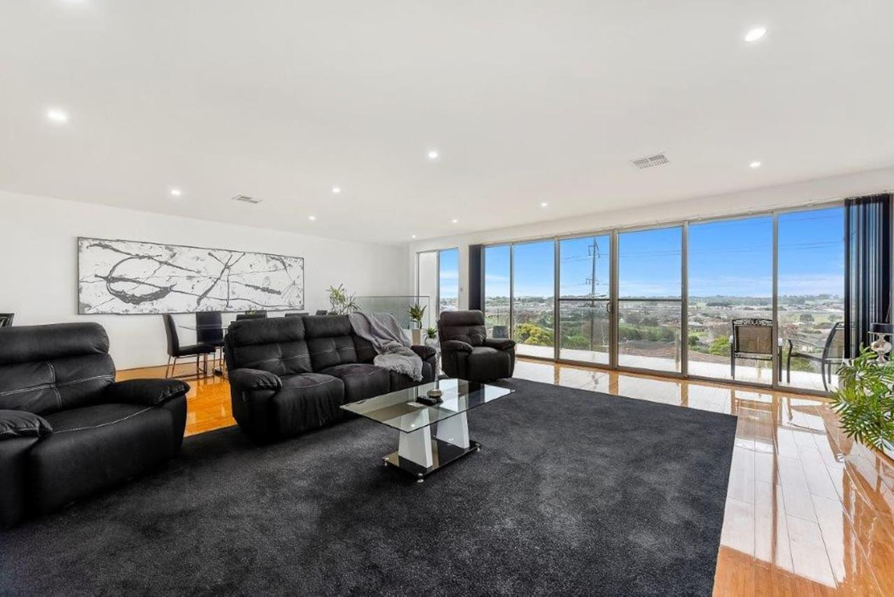 BENGALEE EXECUTIVE TOWNHOUSE- MODERN  STYLISH - Mount Gambier Accommodation