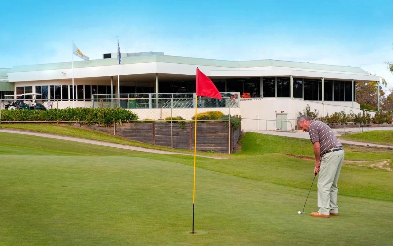 cluBarham Golf Resort - Mount Gambier Accommodation