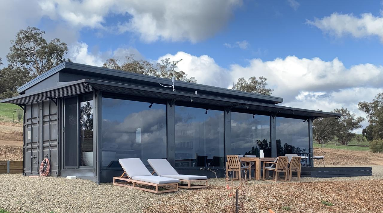 Belisi Farmstay Cottage - Mount Gambier Accommodation