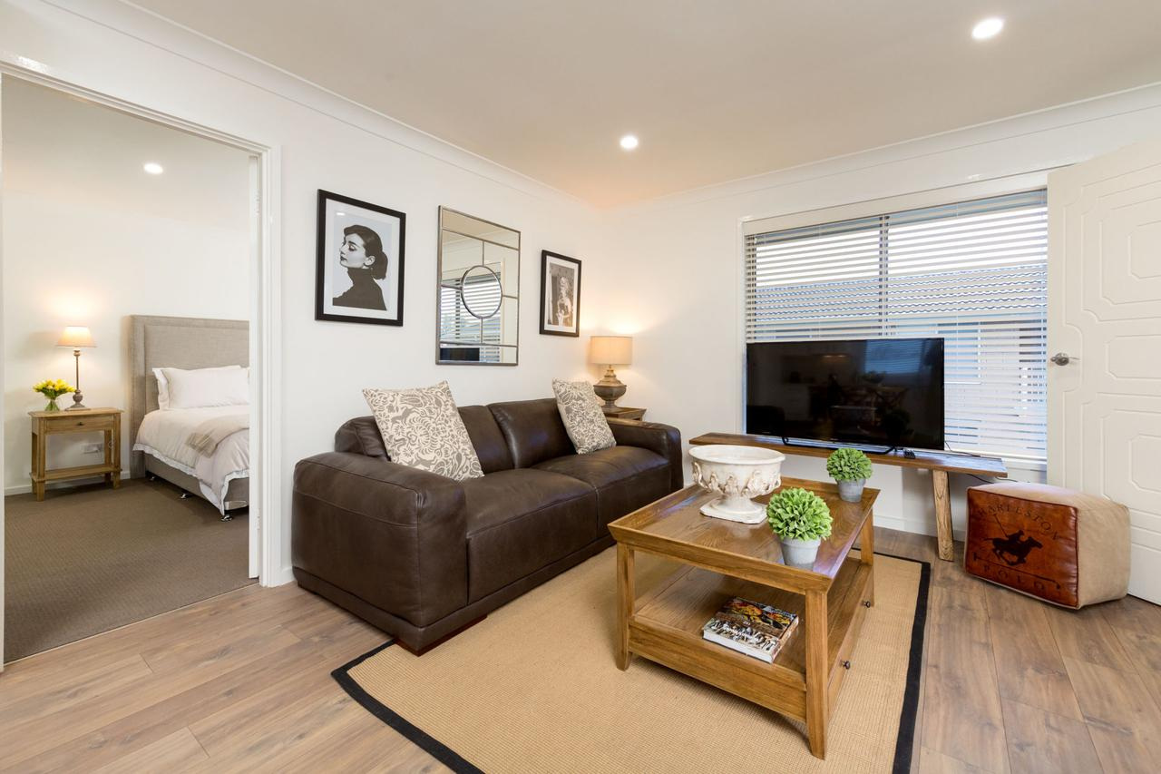 Sleeping in Style - Central  Sophisticated - Mount Gambier Accommodation