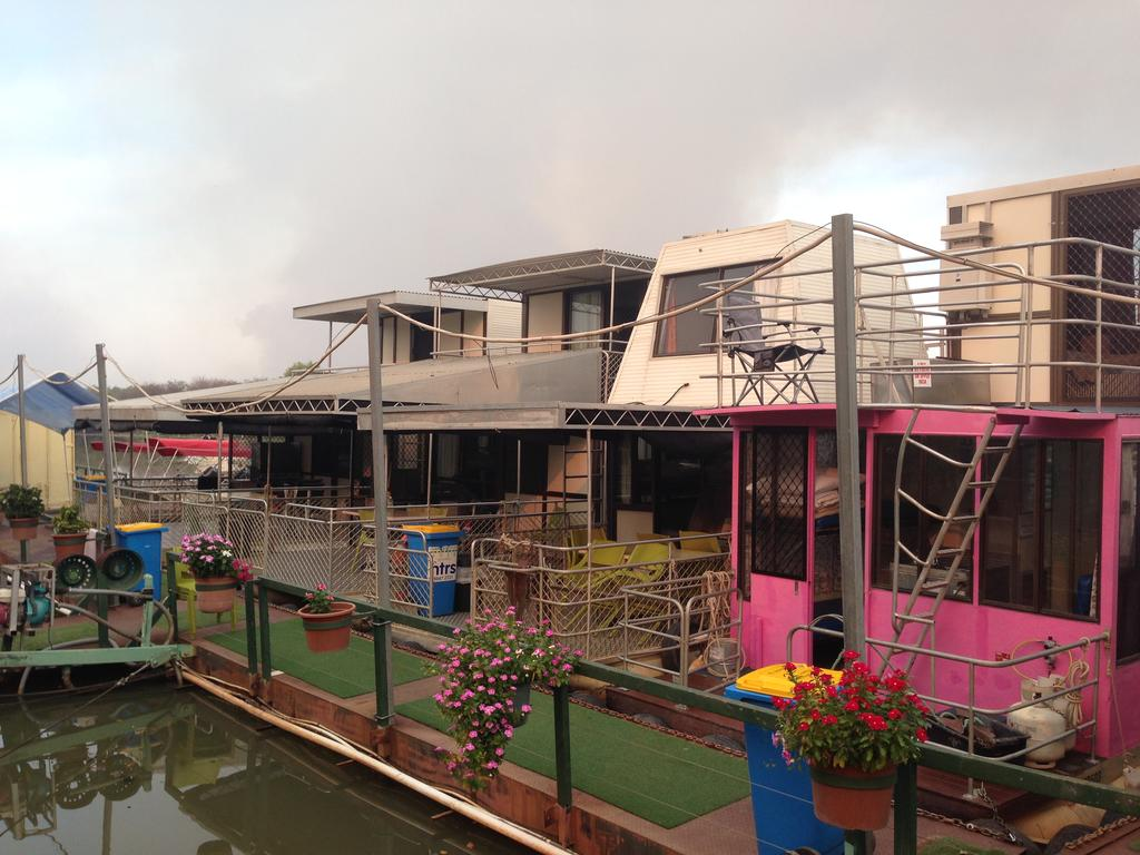 Corroboree Houseboats - Mount Gambier Accommodation