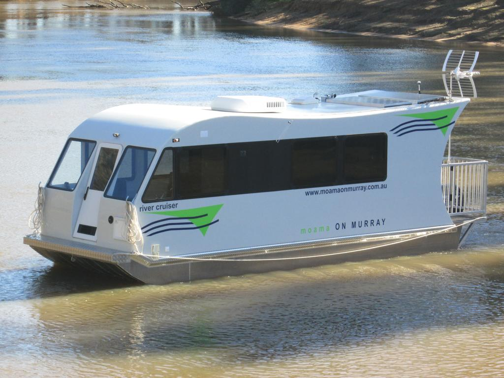 Moama on Murray Houseboats - Mount Gambier Accommodation