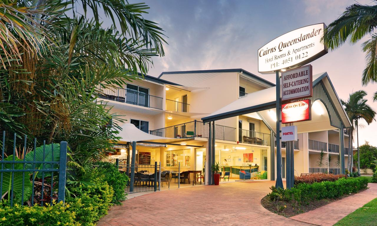 Cairns Queenslander Hotel  Apartments - Mount Gambier Accommodation